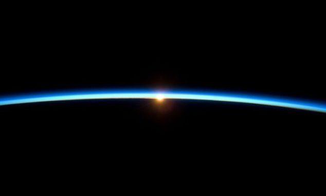 EarthAtmosphe_restoration-746x450